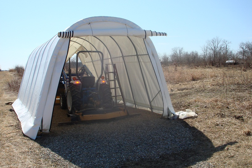 Temporary Garage Snowy Environment : Protect your vehicle from wind and snow with a portable